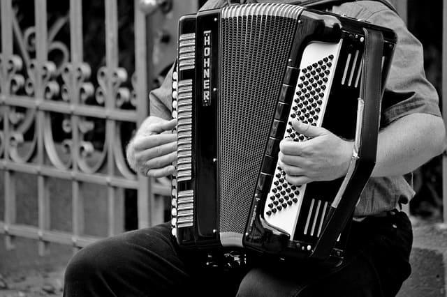Akkordeon spielen lernen